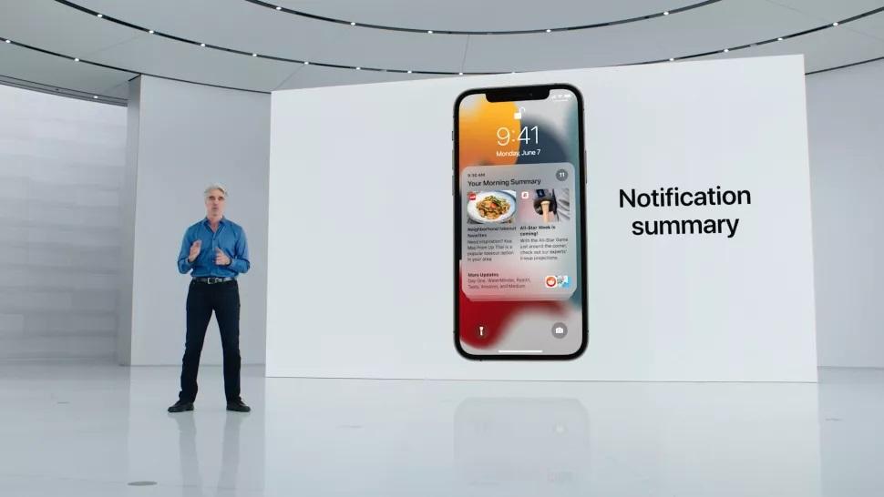 iPhone IOs 15
