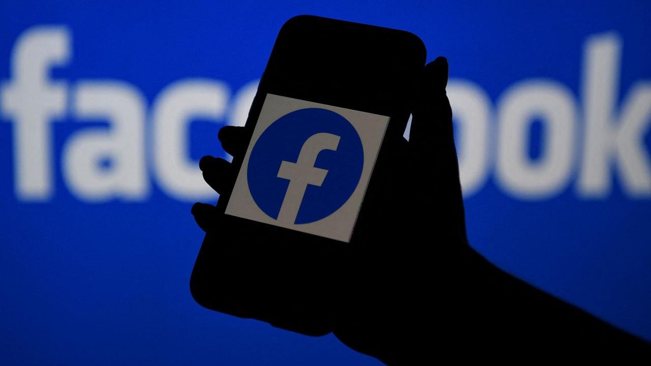 Facebook, alert, extremist, notifications, users
